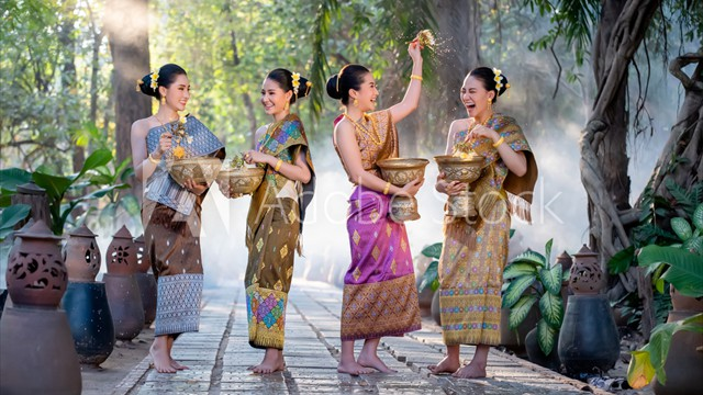 thailand-loikratong-wasserfestival